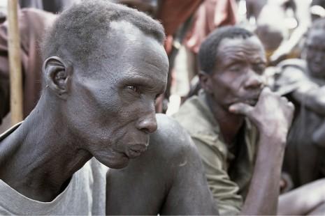 Rebeller attackerade byar sju doda